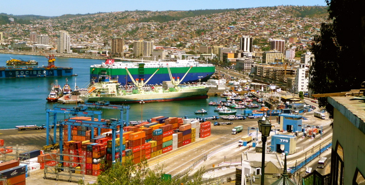 VALPARAISO, CHILE / THE SEAPORT