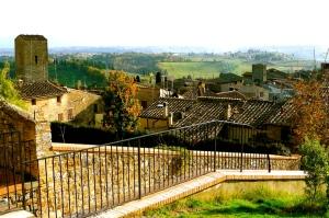 SAN GIMIGNANO, ITALY / ROOFTOPS